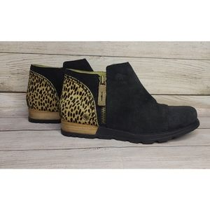 Sorel Leopard print and Suede Boots Size 7